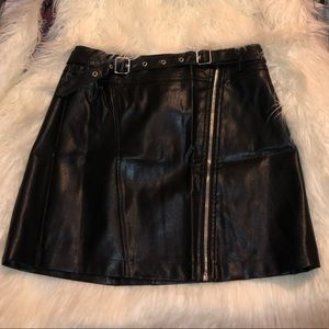 Forever 21 black faux leather skirt